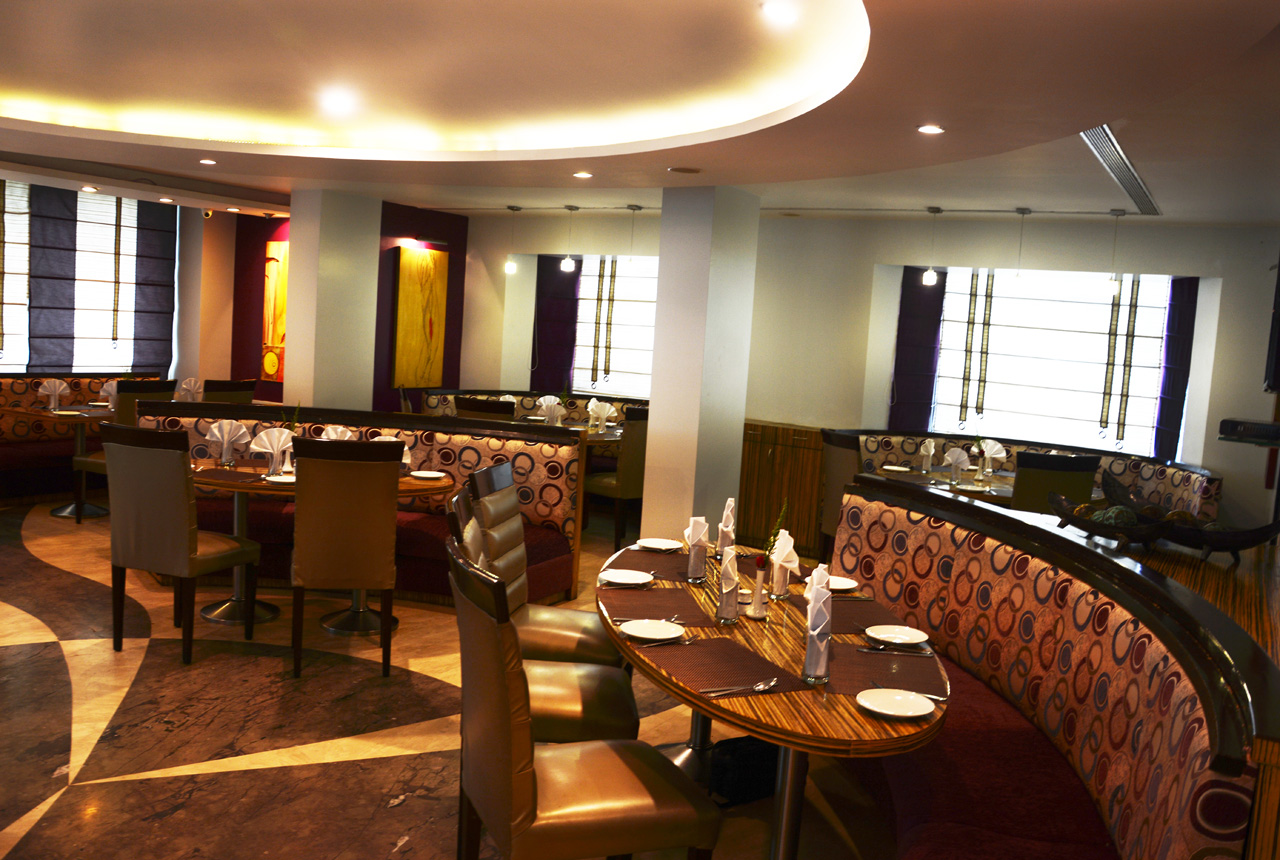 Enjoy an exotic dining experience in Hotels in Pune Deccan